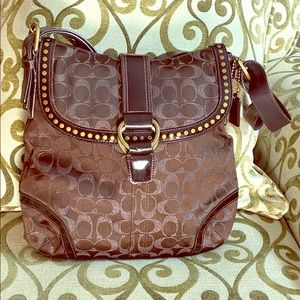 💕 Coach brown x large jacquard crossbody bag 💕